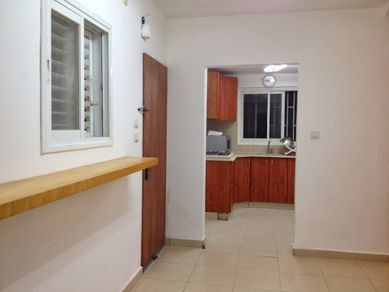 corridor-flat-for-rent-in-Israel.JPG