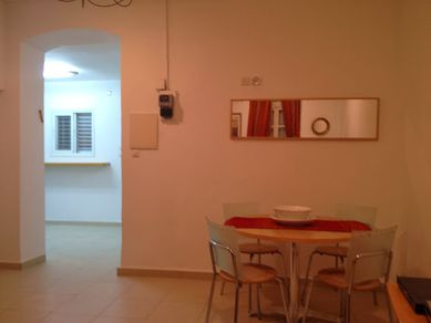 dining-area-house-for-rent.JPG