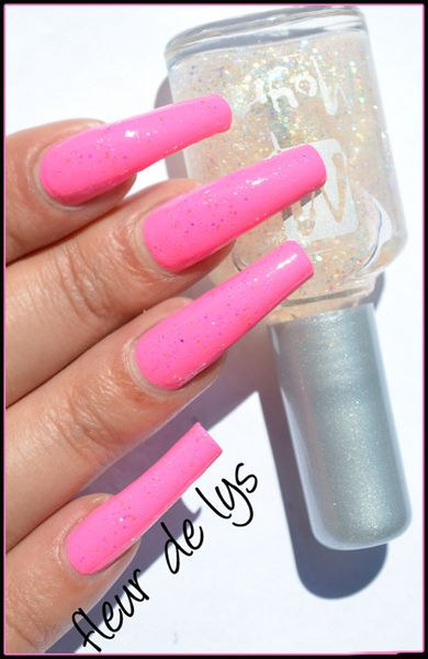 Vernis ongles rose fluo