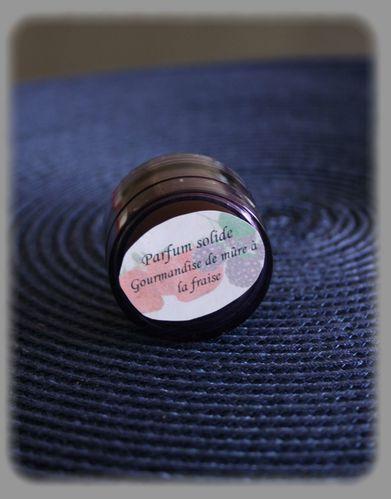 parfum solide gourmandise de fraise la m re le blog de des etoiles surlapeau. Black Bedroom Furniture Sets. Home Design Ideas