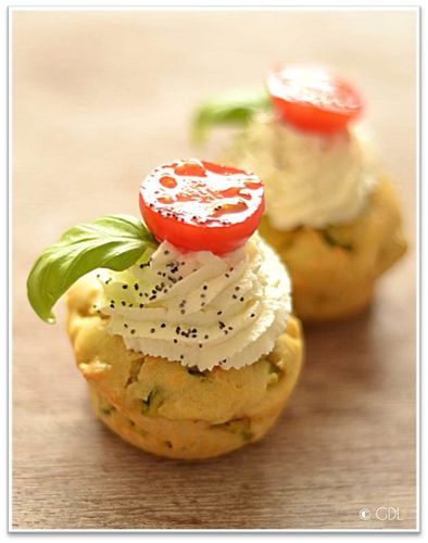 http://img.over-blog.com/394x500/3/22/62/97/Cake/muffin-courgette-ricotta-basilic/courgette-ricotta.jpg