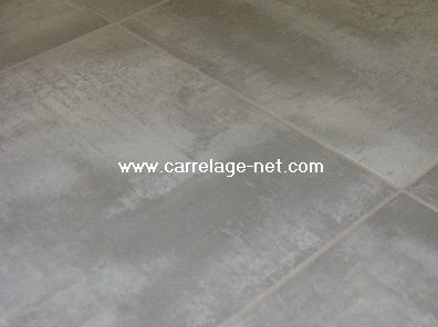 Le carrelage construction avec maisonneuve for Carrelage 50x50 gris anthracite