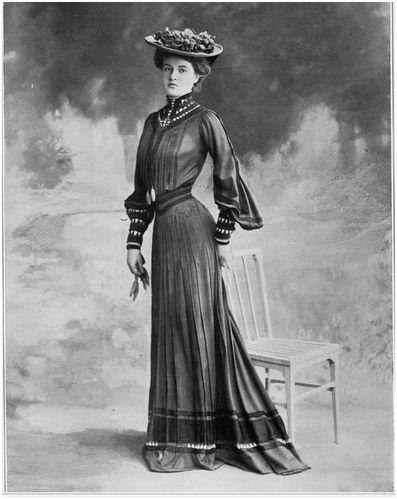 robe-de-ville-1902.JPG