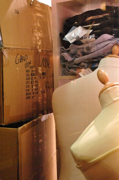 cartons-mannequin-coul
