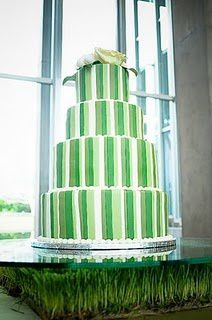 green-white-wedding-cake