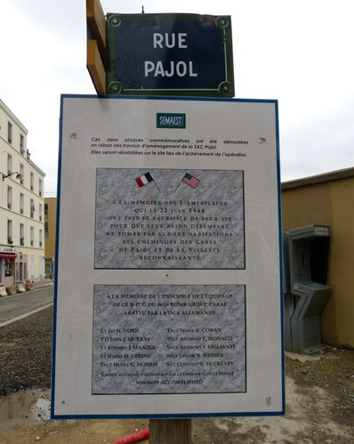 plaque-comme-morative-rue-Pajol.jpg