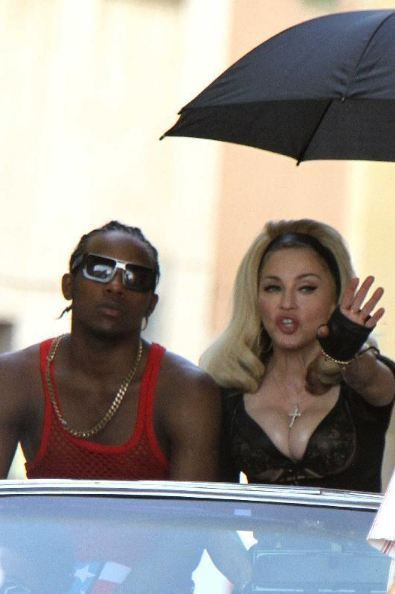 20120618-pictures-madonna-turn-up-the-radio-set-46