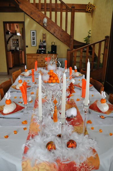 table-Noel-blanc-et-orange 0614