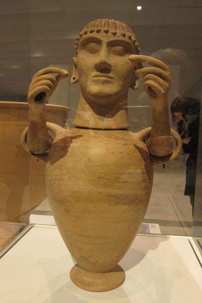 urne cinéraire à tête féminine et bras articulés 500a