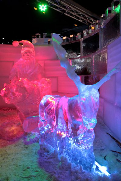 Ice-Magic-2009 0143 Pere Noel