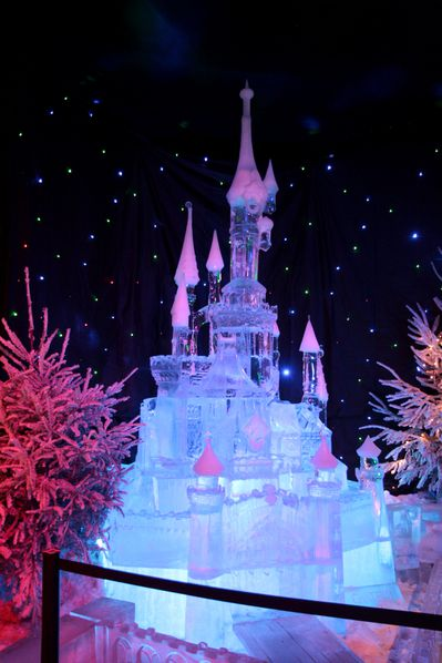 Ice-Magic-2009 0198 Chateau Disney