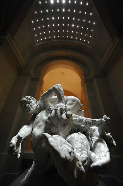 800 LILLE MUSEE STATUE