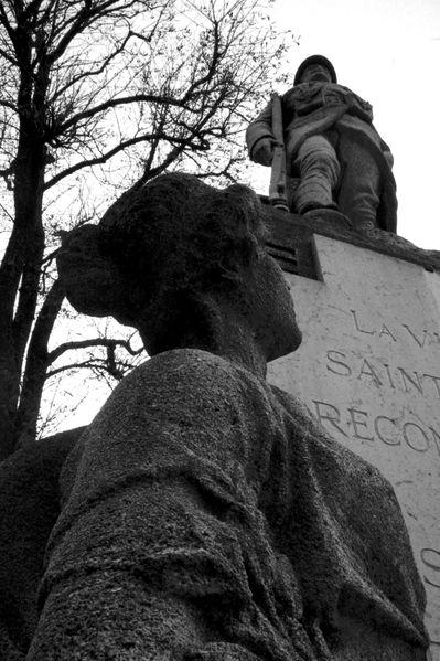 GR0 Monument aux morts, Saint Gratien