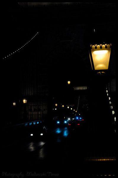 pont-des-chaines-la-nuit.jpg
