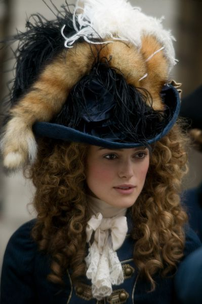 23951_keira_knightley_the_duchess_press_stills_880_122_52lo.jpg