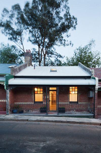 EADIE HOUSE 9