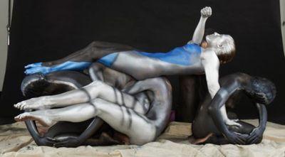 4 Human bleues