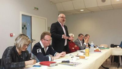 Table-ronde-Rouvroy-09-05-14.jpg