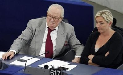 Le-Pen-pere-et-fille-parlement-europeen.jpg
