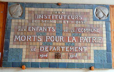 Plaque commémorative 1914-1918 Hôtel de Sourches, école primaire 3 rue des Ecuyers 6 rue de la Procession Saint-Germain-en-Laye