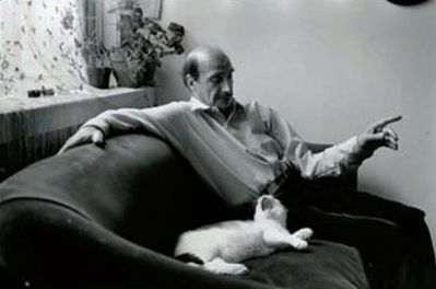 Boubat-autoportrait-au-chat-NY-1989-copie-1.jpg