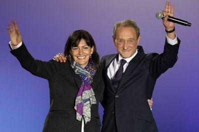 963049 paris-mayor-bertrand-delanoe-and-paris-deputy-mayor-