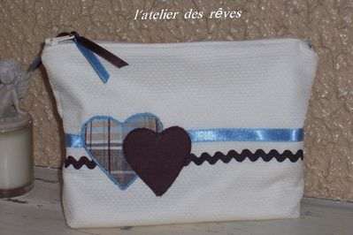trousse-de-toilette-coeur-bleu_final.jpg