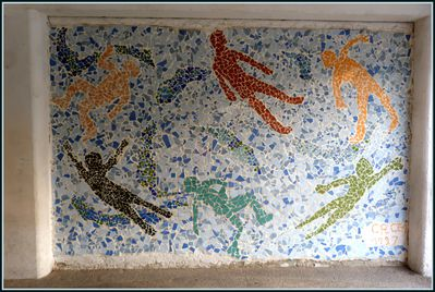 Fresque-en-mosaique---Ecole-Jean-Mermoz-Canet-en-Roussillo.JPG