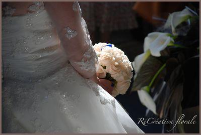 Bouquet de mariée roses blanches 210