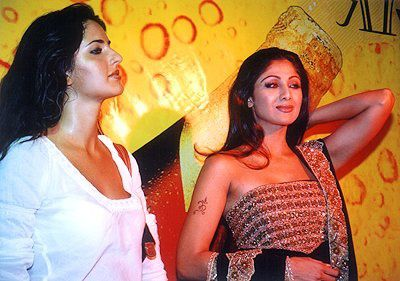 bollywood-celebrity-old-pics-12.jpg
