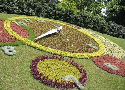 Genève horloge fleurie