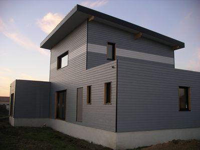 Maison moderne en bois en vend e 85 - Bardage moderne ...