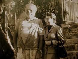 Fernanda e gli elefanti bianchi di Hemingway. Il bel romanzo di Raffaele Nigro fa rivivere Fernanda Pivano ed Ernest Hemingway lanciato nella sua ultima battuta di caccia