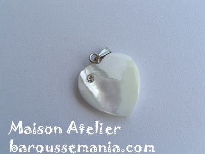 pendentif nacre coeur strass