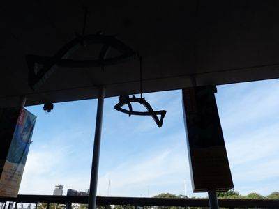 P1020705---Sculpture-poissons-aquarium-Barcelone.JPG