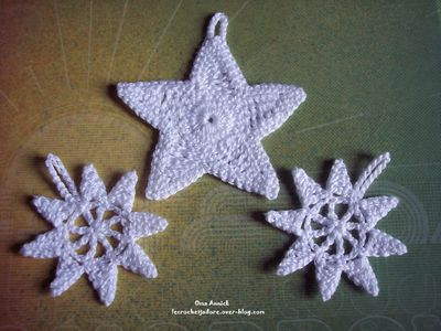 etoiles-Noel-decoration-table-sapin-crochet