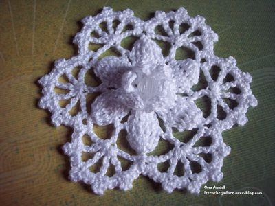 flocon-fleur-Noel-decoration-table-crochet