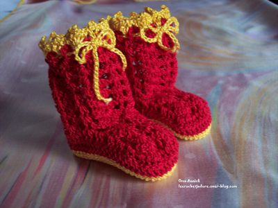 bottes-dragees-deco-table-rouge-or-crochet