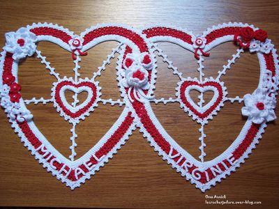 coeurs-mariage-deco-fleurs-rouge-blanc-crochet
