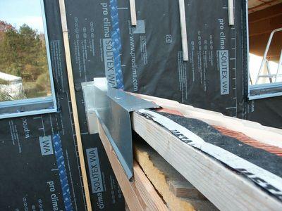 Faitage de la chaufferie planche de rive blog de simsim for Colle pour gouttiere zinc