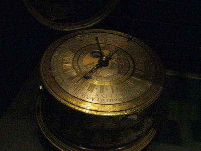 Horloge astronomique de table (01)