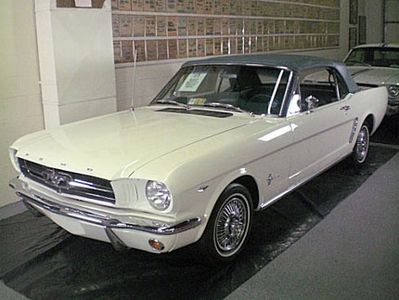 first_1964_ford_mustang-01.jpg