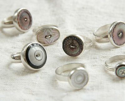 antique-vintage-button-rings_thumb.jpg