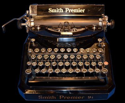 Machine crire smith premier techneekolor - Machine a ecrire underwood ...