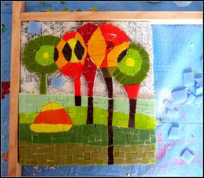 Inspiration-Hundertwasser---mosaique-contemporaine---en-co.JPG