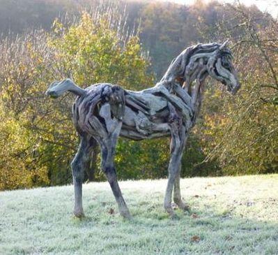 quand-le-cheval-de-bois-est-une-oeuvre-d-art_33342-copie-1.jpg