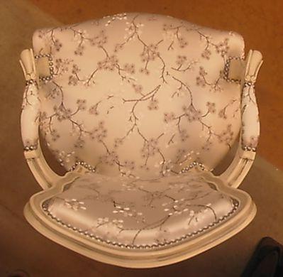 Cabriolet Louis XV patiné blanc & argent