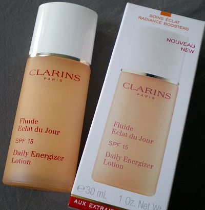review clarins fluide clat du jour spf 15. Black Bedroom Furniture Sets. Home Design Ideas