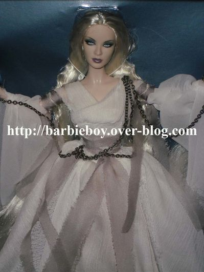 Ghost Haunted Beauty (1)
