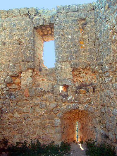Chateau d'Aguilar 03